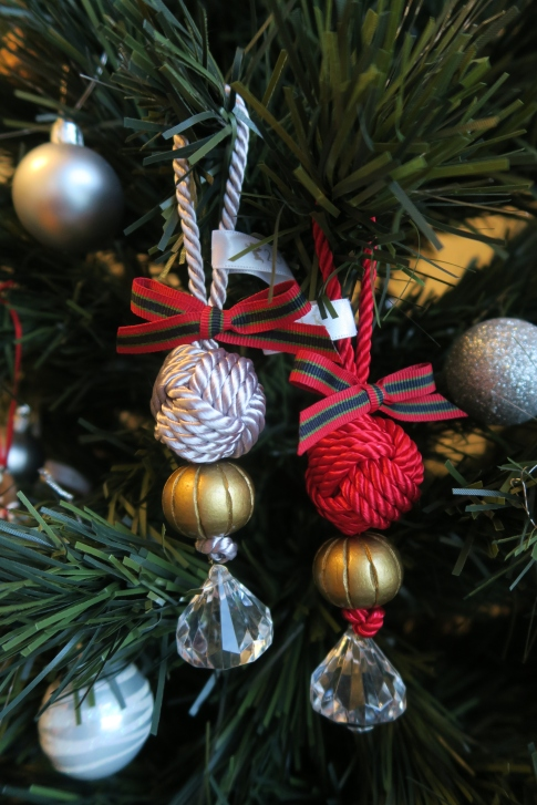 Chinese knotted christmas ornaments